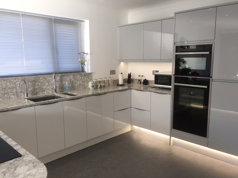 Handleless Light Grey Gloss and White Gloss - Lima Kitchens